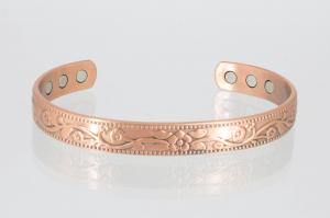 CU8267 - Kupfer-Magnetarmreif mit wunderschönen Ornamenten
