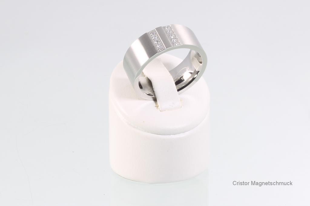 R111SZ - Ring silberfarben mit Zirkonia
