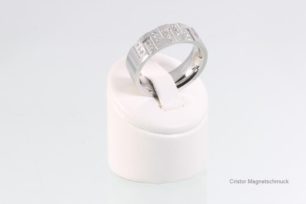 R113SZ - Ring silberfarben mit Zirkonia